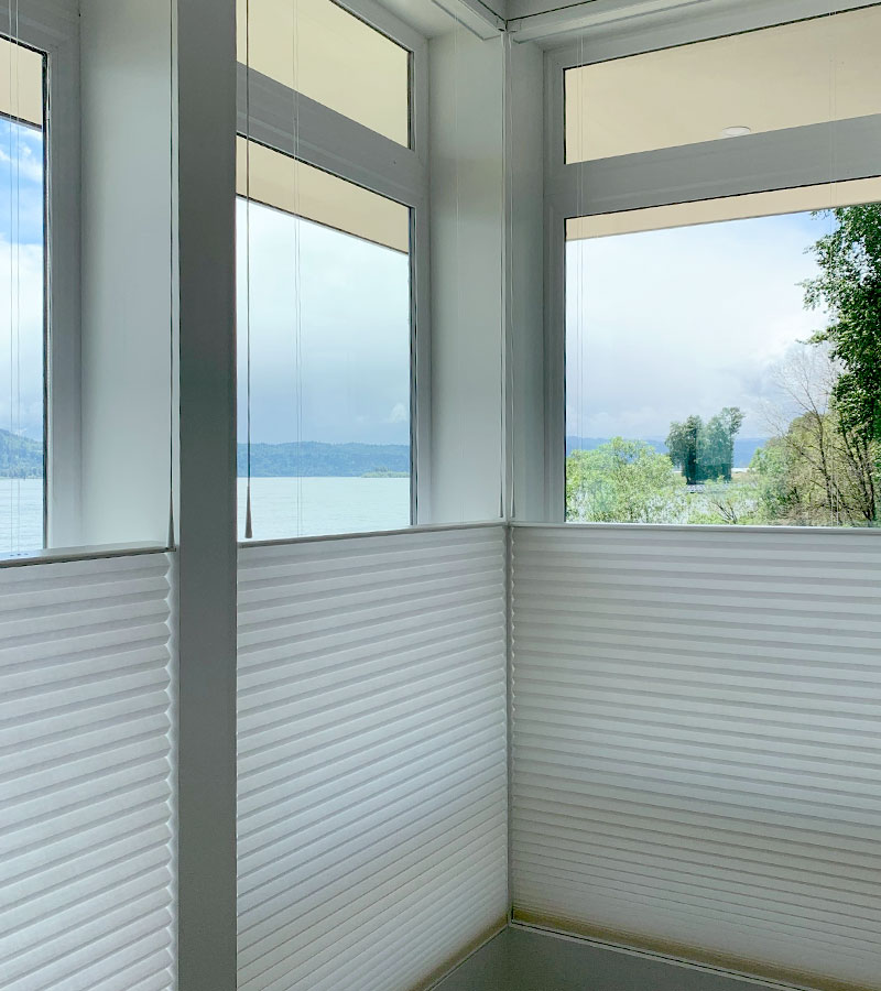 top down motorized shades in corner of room next to the Columbia River in Vancouver WA